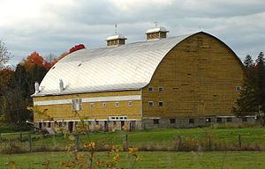 Montebello, Quebec - Scenic barn in Montebello