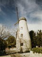 Montefiore Windmill before 2011.png