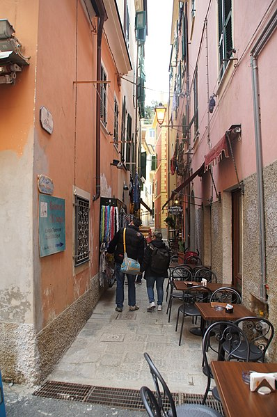 File:Monterosso - panoramio (20).jpg