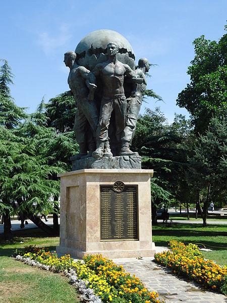 File:Monument of the Defenders of Macedonia.JPG