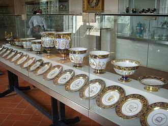 Porcelain Museum (Florence) - Image: Museo delle porcellane di Firenze, servizio di elisa baciocchi, sevres, 1809 1810 01