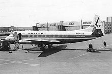 N7429 Vickers 745D Viscount United Airlines (10995863693).jpg