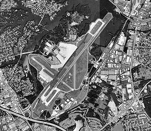 Norfolk International Airport - USGS 1990 orthophoto
