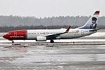 Norwegian (Helmer Hansen livery), LN-NIB, Boeing 737-86J (18426656941) (2).jpg