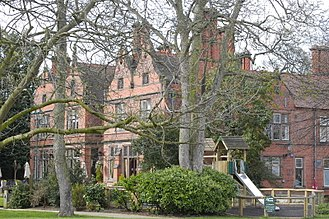 Listed buildings in Upton by Chester - Image: Oakfield Manor