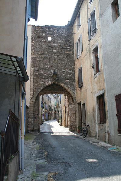 Olargues (Hérault) - Porte neuve du village.