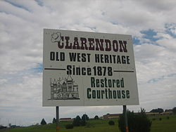 Clarendon welcome sign on U.S. Highway 287