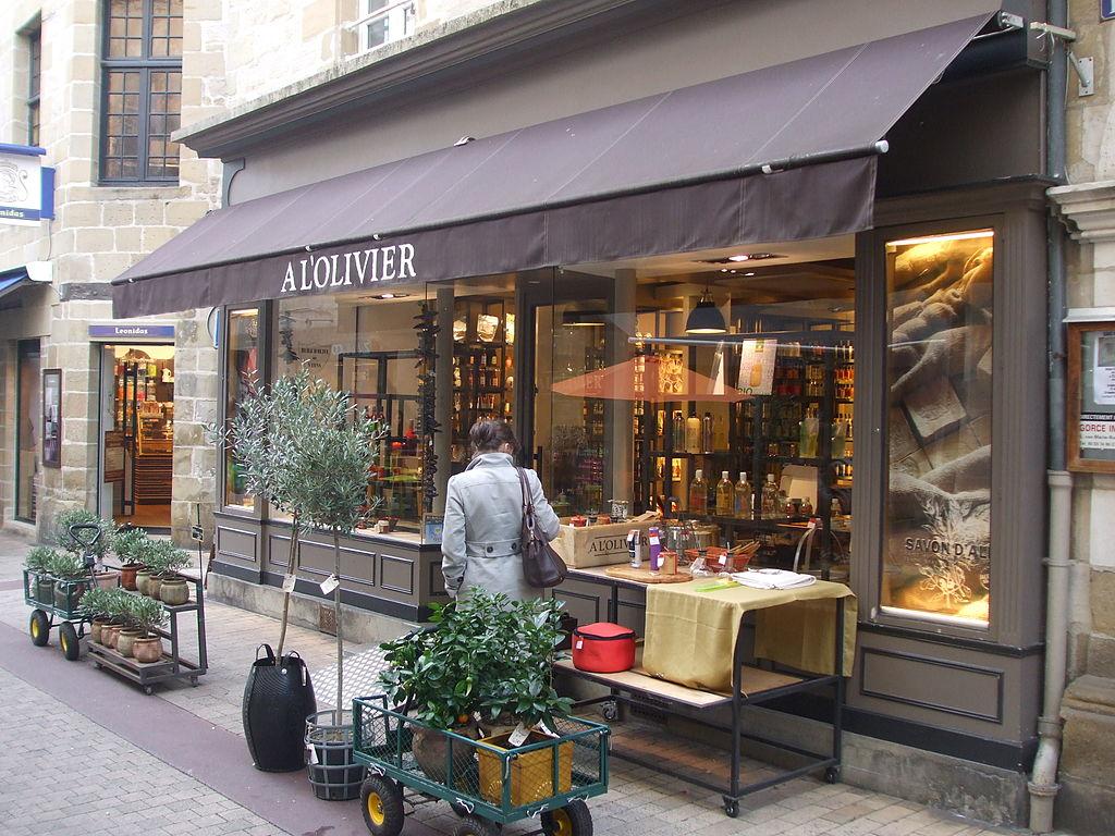 file olive oil shop a l 39 olivier brive la gaillarde france jpg wikimedia commons. Black Bedroom Furniture Sets. Home Design Ideas