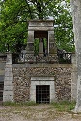 Pierre Clochar: Tomb of Gaspard Monge