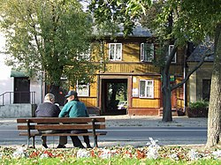 PL Wegrów house on the square.jpg
