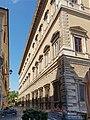 Palazzo Farnese Via del Mascherone.jpg