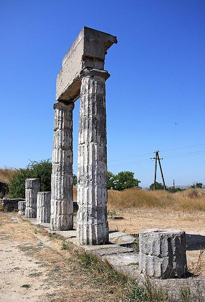 File:Panticapaeum in Kerch, Ukraine.jpg