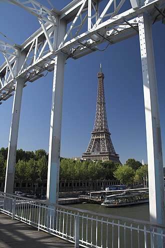 Passerelle Debilly - Image: Paris Eiffel Tower viewed from Passerelle Debilly