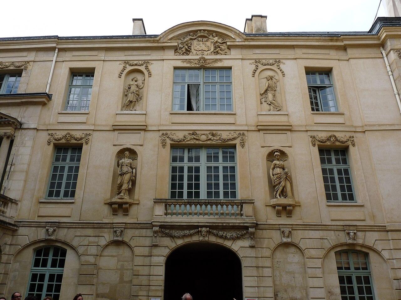 Hotel Amelot Paris
