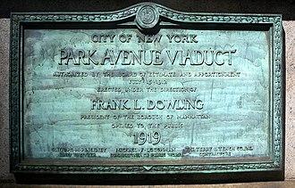 Park Avenue Viaduct - Plaque on the viaduct