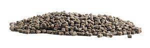 English: Extruded feed pellets