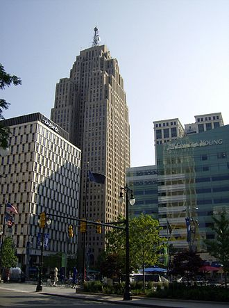 Economy of metropolitan Detroit - The Penobscot overlooks Ernst & Young at One Kennedy Square near the Detroit Financial District.