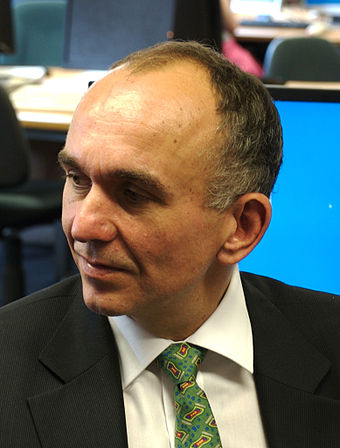 Peter Molyneux enthusiastically promoted Fable. Peter-molyneux-at-university-of-southampton.jpg