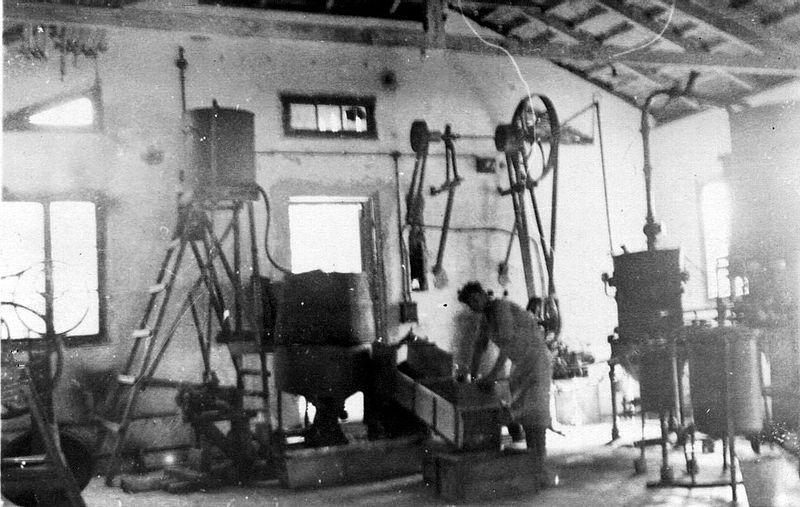 גן-שמואל-מפעל המיץ בראשיתו 1942-5