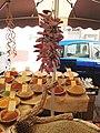 Piments et épices au marché de Malaucène.jpg