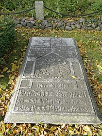 Pinnow (Breesen) Kirche Grab Friedrich von Klinggräff 2010-10-30 026.JPG