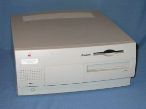 Power Macintosh 7600 - A Power Macintosh 7600/120