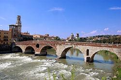 L'Adige presso il romano ponte Pietra