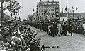 Prosesjon til Domkirken (1914) (4031829920).jpg