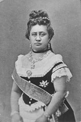 Queen Kapiolani in reception dress, photograph by Menzies Dickson (PP-97-15-002).jpg