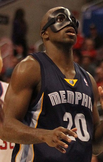 Quincy Pondexter - Pondexter in 2013, wearing a protective mask