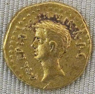 Marcus Aemilius Lepidus (triumvir) - Aureus of Lepidus, c. 42 BC