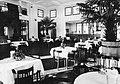 Restauracja w Oficerskim Yacht Klubie lata 30. XX w.jpg