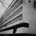 Robert Byron 1930s Narkomfin building (Architect M. Ginzburg).png