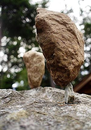 Rock balancing - Image: Rockbalance