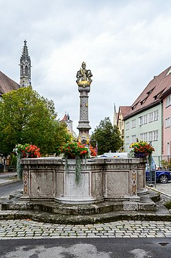 Rothenburg ob der Tauber, Herrngasse, Herrnbrunnen-20121012-002.jpg