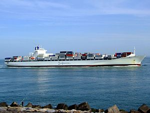 Safmarine Nokwanda p11 approaching Port of Rotterdam, Holland 20-May-2007.jpg