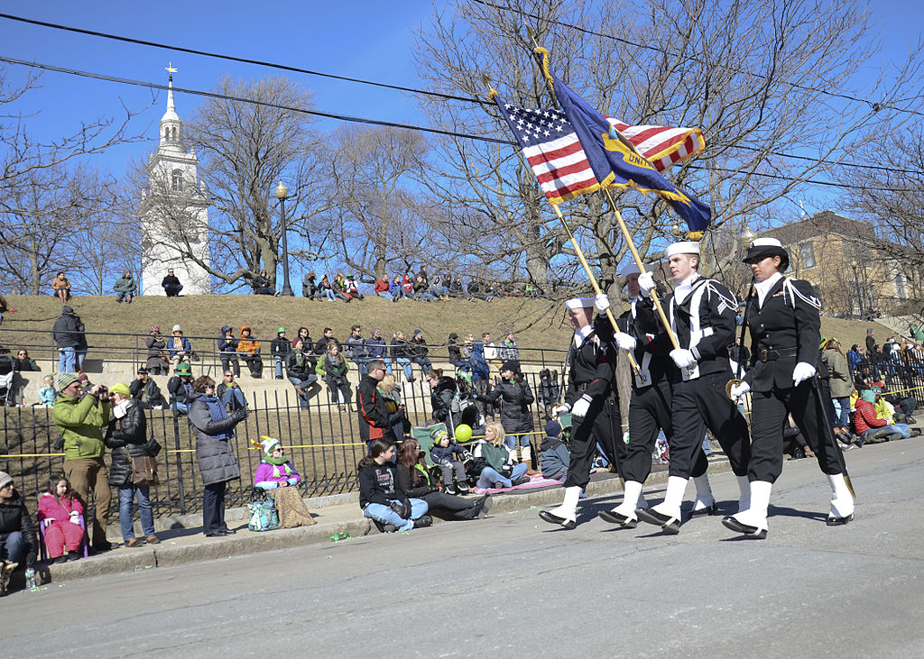 By Official U.S. Navy Page from United States of America MCSN Victoria Kinney/U.S. Navy (Sailors march in a St. Patrick's Day Parade.) [Public domain], via Wikimedia Commons