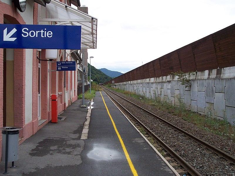 Saint-Amarin_Gare-quai_2004