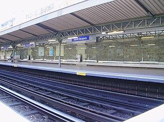 Saint-Jacques (Paris Métro) - Image: Saint Jacques métro Q2
