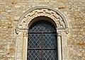 Saint-Vaast-sur-Seulles église fenêtre 01.JPG