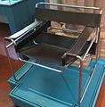 Sedia wassily, marcel breuer, disegno 1925, realizzazione 1964.JPG