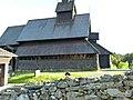 Seitenansicht der Kirche des Vest Telemark Museums Eisborg.JPG