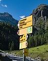 Sertig - hike signs.jpg