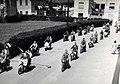 Sfilata motociclisti in via Tazzoli a San Fruttuoso nel 1959.jpg