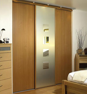 Example of a modern sliding wardrobe, fitted i...