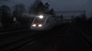 Файл:Sm6 Allegro (dual train) passes Shuvalovo.webm