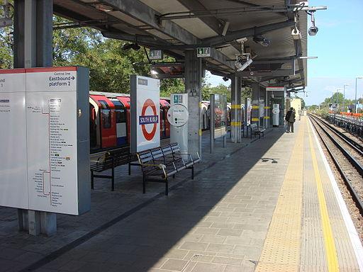 South Ruislip station 036