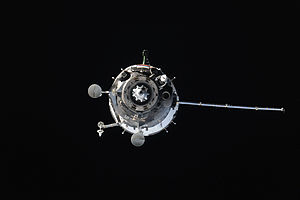 Soyuz TMA-14M - Soyuz TMA-14M approaches the ISS with port solar array retracted, 26 September 2014