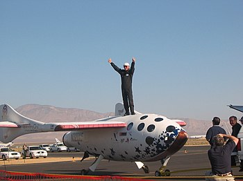 English: SpaceShipOne test pilot Mike Melvill ...