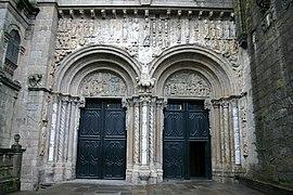Spain.Santiago.de.Compostela.Catedral.Puerta.Meridional.jpg